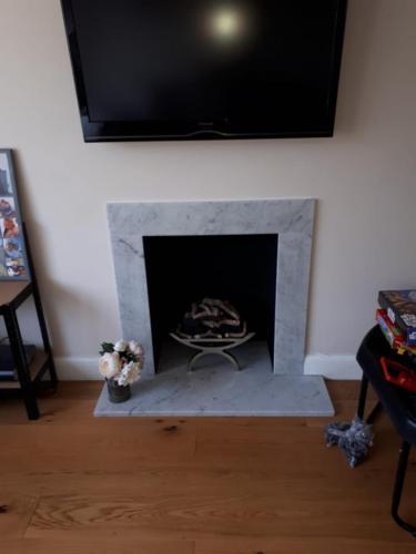 Bespoke Fireplace - The Larimar