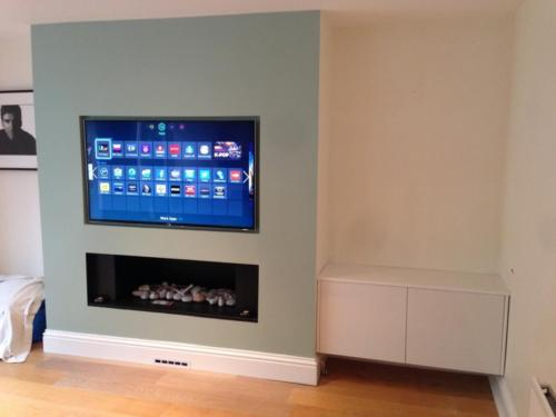 Chameleon - Recessed Opening (TV Above)